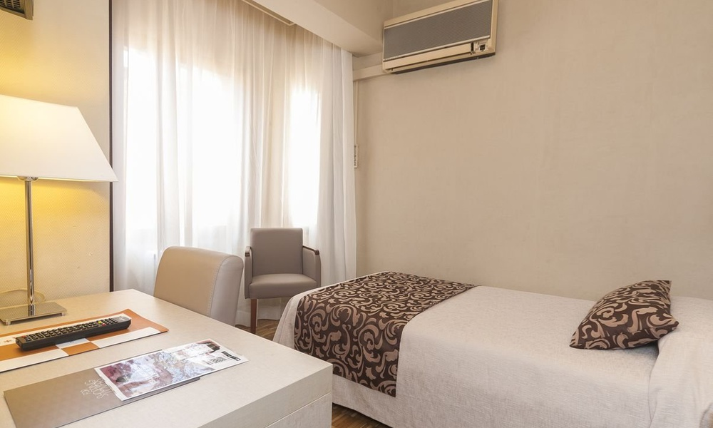 DELUXE SINGLE ROOM Lauria Hotel
